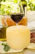 Formaggi e vino rosso dalla Sardegna