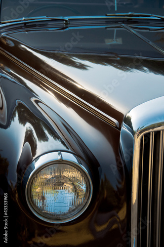vintage-zblizenie-samochodu