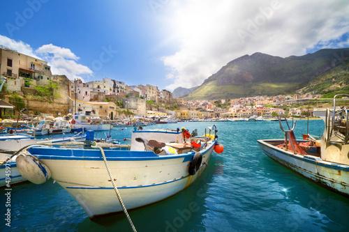 Foto-Leinwand - Fischerhafen in Castellammare del Golfo, Sizilien