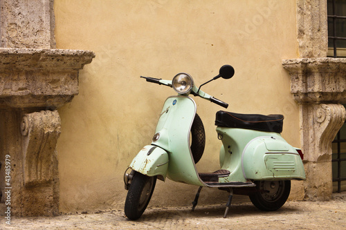 La pose en embrasure Scooter Vespa