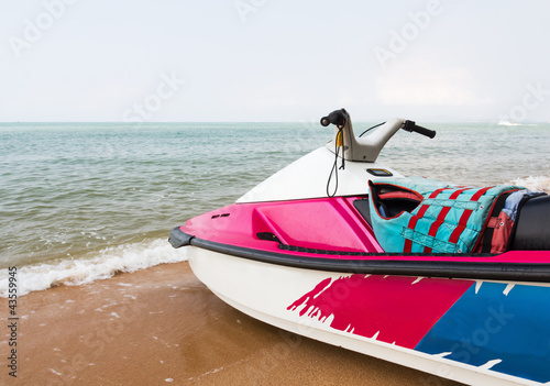 Poster Nautique motorise Jet ski on the beach