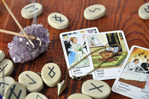 Doppelrollo mit Motiv - Runensteine und Taro Karten (von Fotosasch)