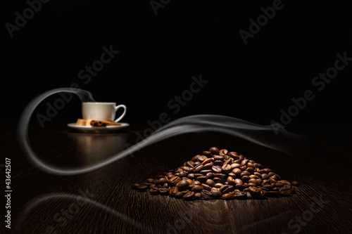 Keuken foto achterwand Cafe Coffee beans and white cup
