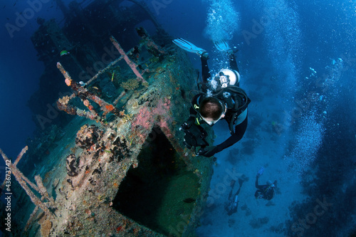 Photo Stands Diving Marcha Fushi wreck survey