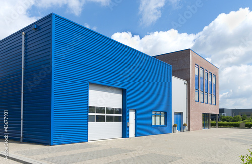 Tuinposter Industrial geb. modern business unit