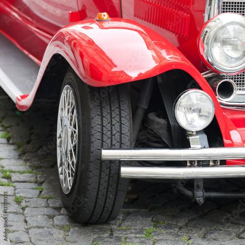 Staande foto Rood, zwart, wit vintage car