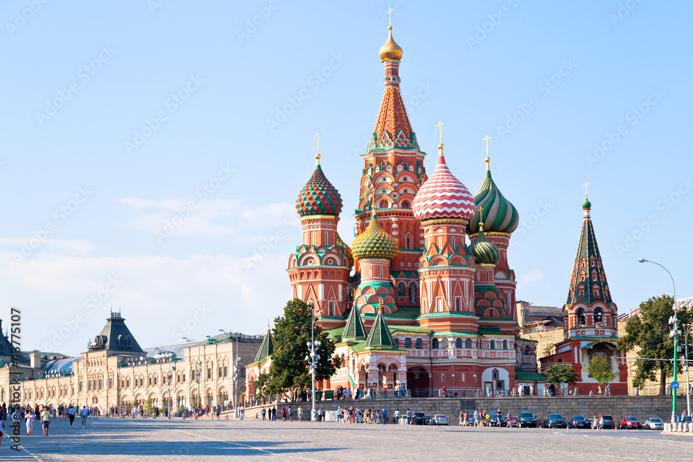 Red Square with Vasilevsky descent in Moscow плакат