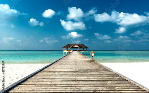 Foto-Leinwand - Strand mit Steg (von Loocid GmbH)