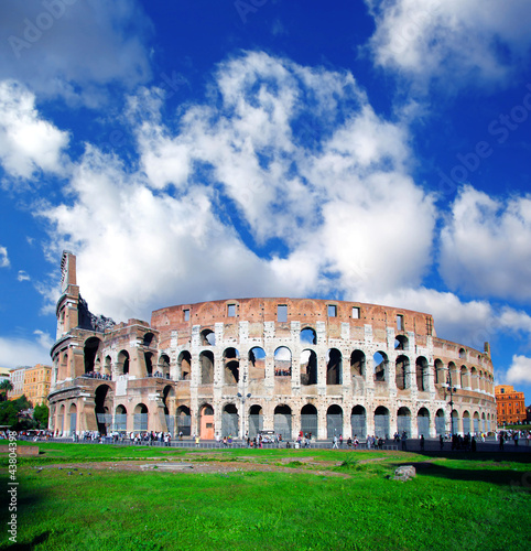 Photo  Famous Colosseum in Rome, Italy