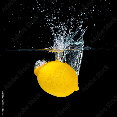 Foto op Canvas Opspattend water Lemon Splashing