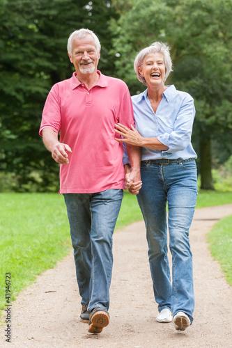 Fotografie, Obraz  Walking in the park