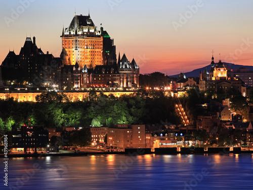 Poster Canada Quebec City skyline at dusk, Canada