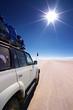 Jeep auf Salzsee