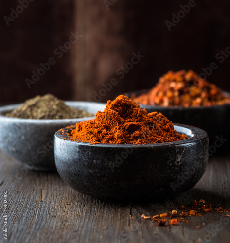 Keuken foto achterwand Kruiden Assorted spices in small bowls