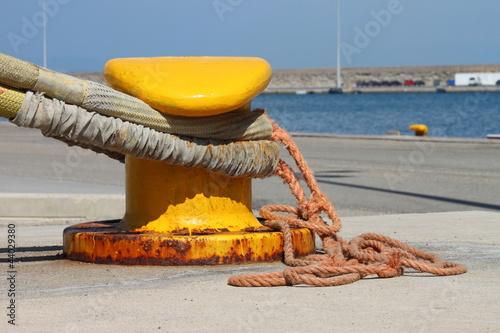 Fotografía  Iron dock cleat