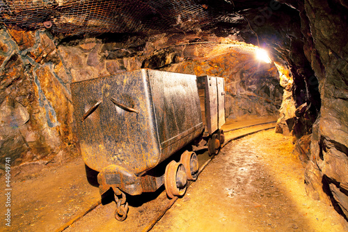 Fotografia, Obraz  Cart in gold mine - underground
