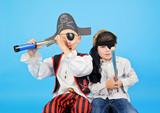 zwei kleine Piraten