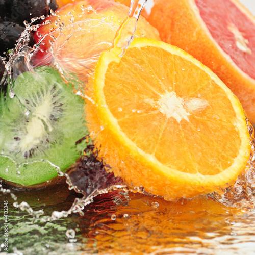 czysty-owoc-w-aerozolu-wody