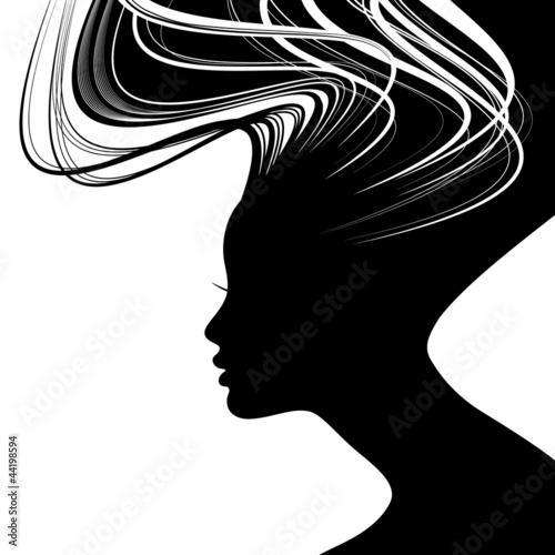 sylwetka-twarz-kobiety-z-falowane-wlosy