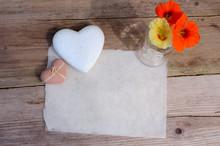 Büttenpapier Herz Blumen Altes Holz