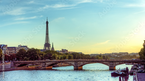 Papiers peints Paris Eiffel tower and Seine river