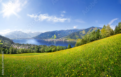 Poster Bergen Panorama view over Zell am See, Austria