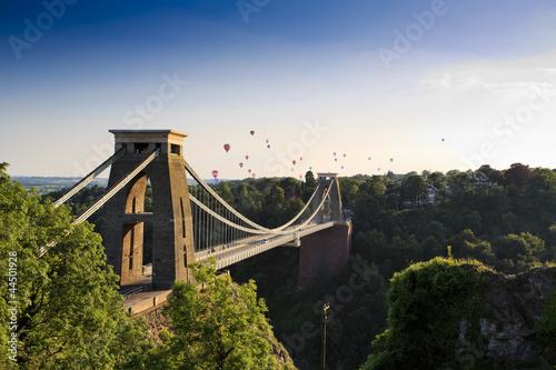 Fotografía  Clifton suspension bridge and Balloon Fiesta