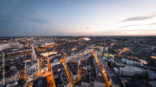 Fotografie, Obraz  Nantes au crépuscule
