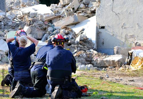 Erdbebenhelfer Rettungskräfte Canvas Print
