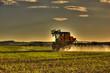 canvas print picture - traktor bei der arbeit