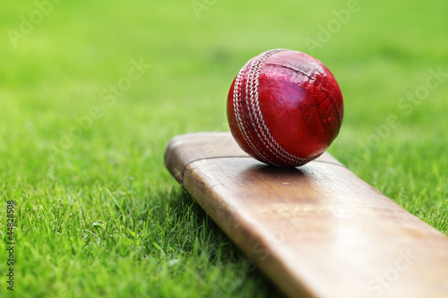 Carta da parati Cricket bat and ball