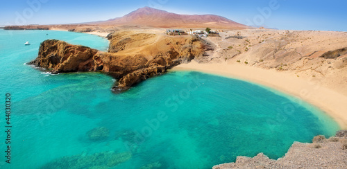 Spoed Foto op Canvas Canarische Eilanden Lanzarote Papagayo turquoise beach and Ajaches