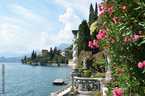 Slika na platnu View to the lake Como from villa Monastero. Italy