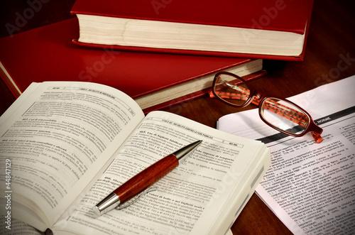 Libri di diritto e codici di legge per avvocato Wallpaper Mural