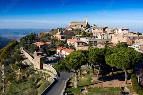 Foto  Montalcino. Panoramic view.