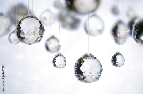 Fotografie, Obraz  Hängende Kristallkugeln