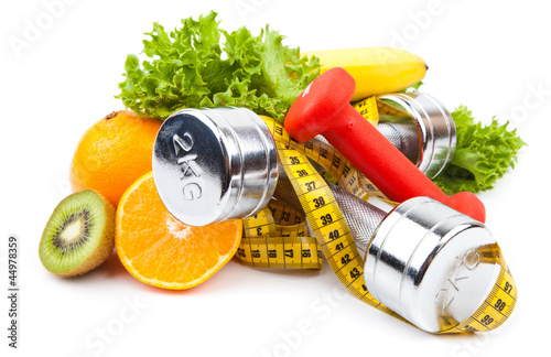 Photo  fitness equipment and fruits