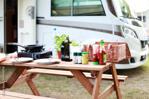 Fotografering  Essen auf dem Campingplatz