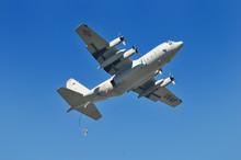 C-130輸送機からの降下