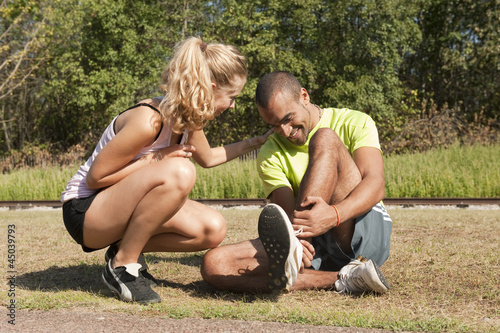 Photo Sport au parc - se fouler la cheville
