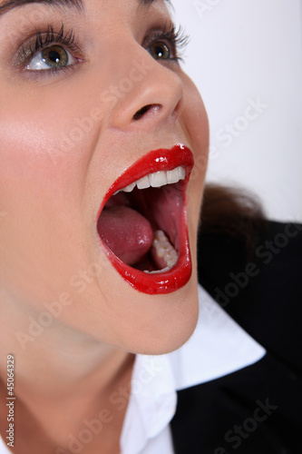 Photo Portrait of woman with mouth open