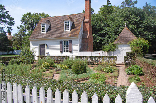 Photo Williamsburg colonial house