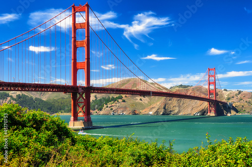 Fotobehang Bruggen Golden gate bridge vivid day landscape, San Francisco