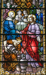 NaklejkaJesus turning water into wine, stained glass