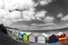 Cabanes Colorées Sur La Plage...