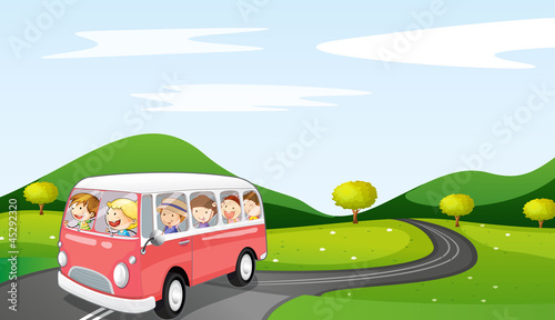 Fotobehang Boerderij bus and road