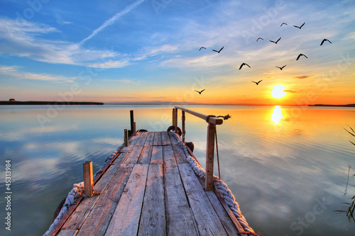 Canvas Prints Blue sky nubes en el agua
