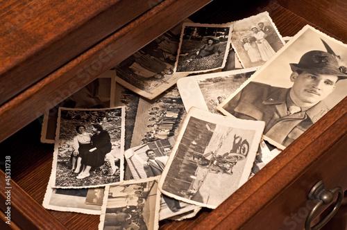 Fotografía  cassetto pieno di ricordi