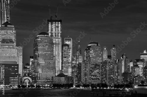 Manhattan de nuit, noir et blanc