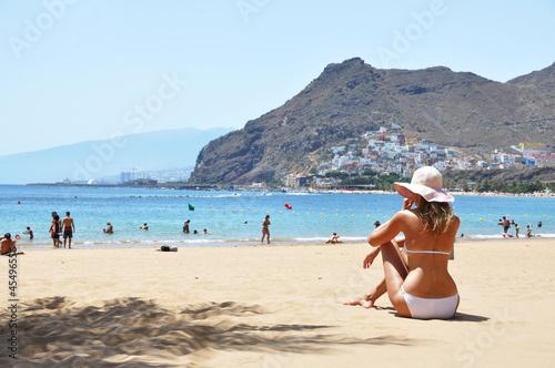 Fotografia  Beach scene. Playa de la Teresitas. Tenerife, Canaries